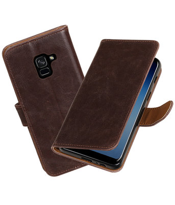 Hoesje voor Samsung Galaxy A8 2018 Pull-Up booktype mocca
