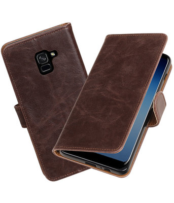 Hoesje voor Samsung Galaxy A8 Plus 2018 Pull-Up booktype mocca